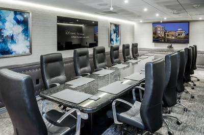 Carlsbad S West Inn Amp Suites Debuts High Tech Executive
